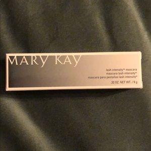 Mary Kay lash intensity black mascara